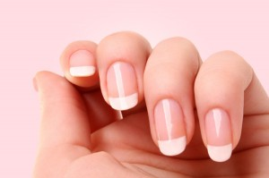 french-manicure-beauty